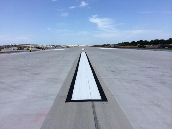 FLL Extended Runway 10R-28L (FLL)