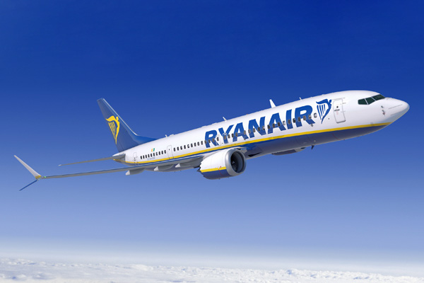 Ryanair 737-MAX 8 Artwork