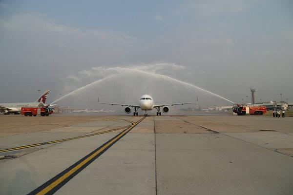 Vistara first A320 arrives (Vistara)(LRW)