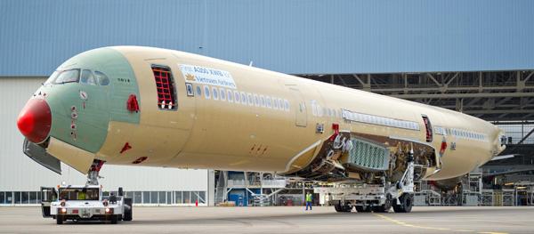 Vietnam A350-900 1st fuselage (Airbus)(LRW)