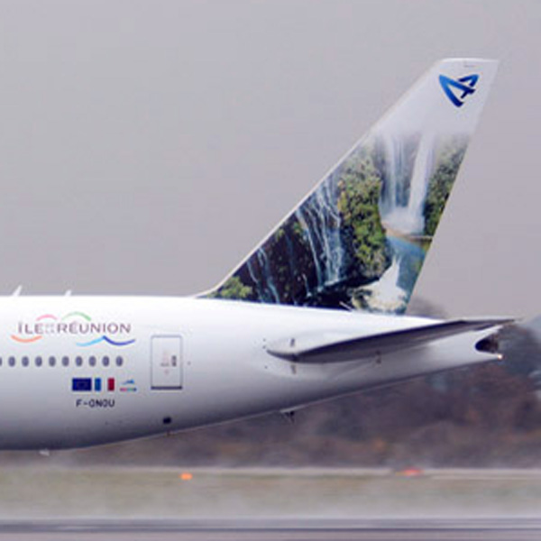 Air Austral 777-300 F-ONOU (14)(Tail) MAN (NF)(LR)