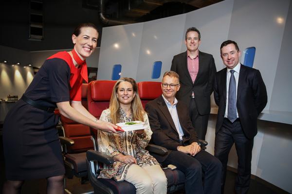 Alan Joyce launches new Economy dining experience (QANTAS)(LRW)