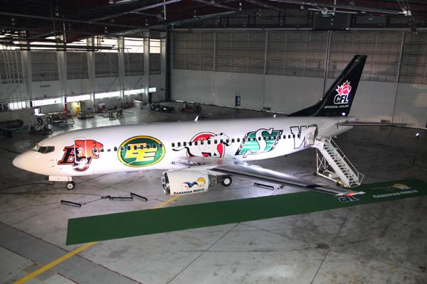 Canadian North 737-300 C-GCNO (14-CFL-left)(Grd) YEG (Canadian North)(LRW)