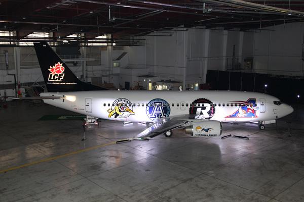 Canadian North 737-300 C-GCNO (14-CFL-right)(Grd) YEG (Canadian North)(LRW)