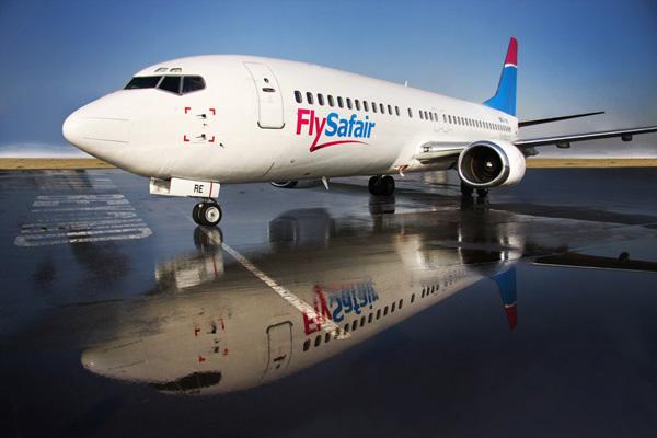 FlySafair 737-400 ZS-JRE (13)(Nose)(FlySafair)(LR)