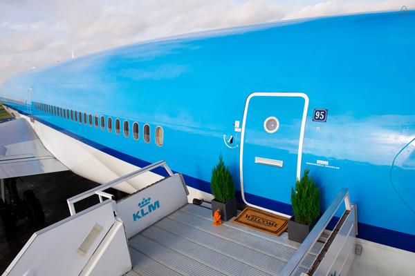KLM MD-11 Entrance (LRW)