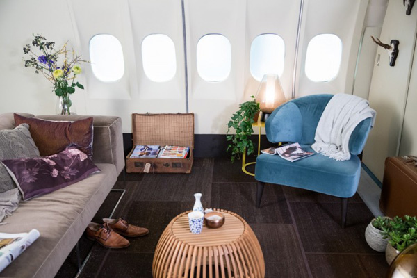KLM MD-11 Living Room