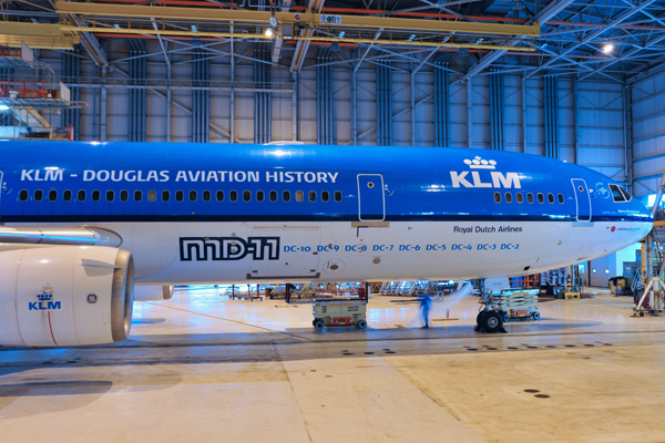 KLM MD-11 PH-KCB (02-KLM-Douglas Aviation History)(Nose) AMS (KLM)(LRW)