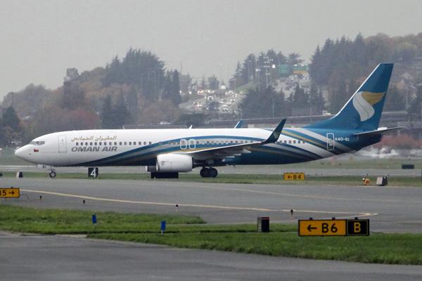 Oman Air 737-900ER WL A40-BI (08)(Grd) BFI (JGW)(LRW)