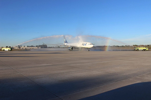 Azul arrives in Orlando (Azul)(LRW)