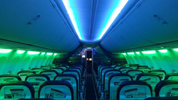 Alaska 737 Seahawk colors
