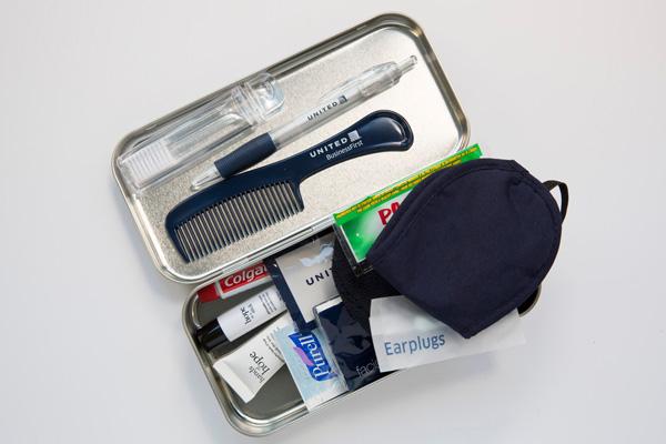United 2015 amenity kit contents (LRW)