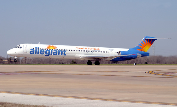 Allegiant DC-9-82 N415NV (10-Travel is our deal)(Tko) AUS (FEI)(LR)
