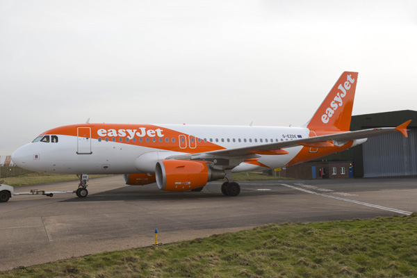EASYJET  NEW PLANE LIVERY Pix.Tim Anderson