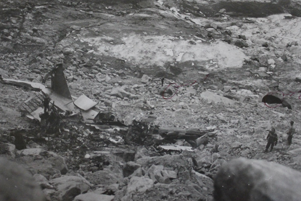 LAN DC-3 crash in the Andes (LRW)