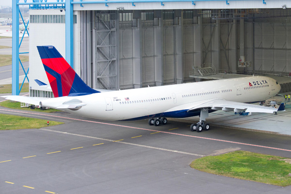 42 ton airbus a330 300 world airline news rh worldairlinenews com Sunset Next to Delta Airlines A330 Delta Airlines Inside A330