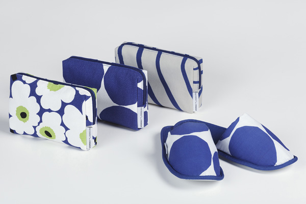 Finnair Marrimekko Business Class amenity kit with slippers (Finnair)(LRW)