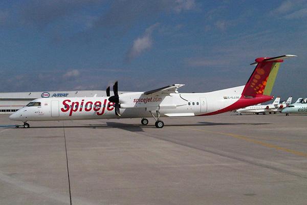 SpiceJet DHC-8-400 C-GJJU (VT-SUA)(05)(Grd) YYZ (TMK)(LRW)