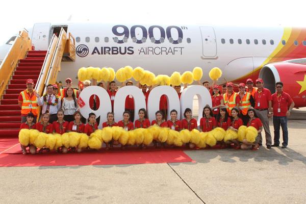 VietJetAir.com A321-200 WL VN-A651 (11-9000th Airbus Aircraft)(Nose)(Airbus)(LR)