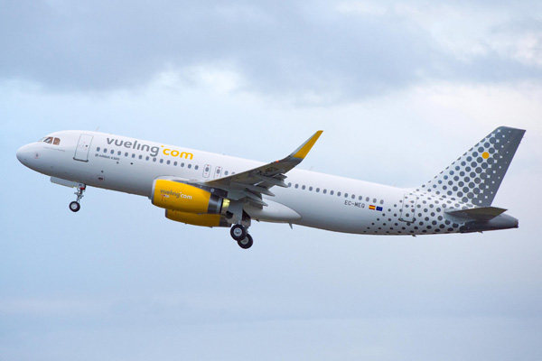 Vueling.com A320-200 WL EC-MEQ (04)(Tko)(Airbus)(LRW)