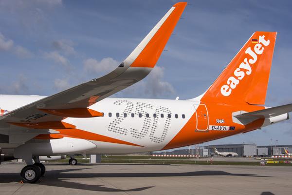 EasyJet (UK) A320-200 D-AVVL (G-EZOL)(15-250 Airbus)(Tail) XFW (Airbus)(LRW)