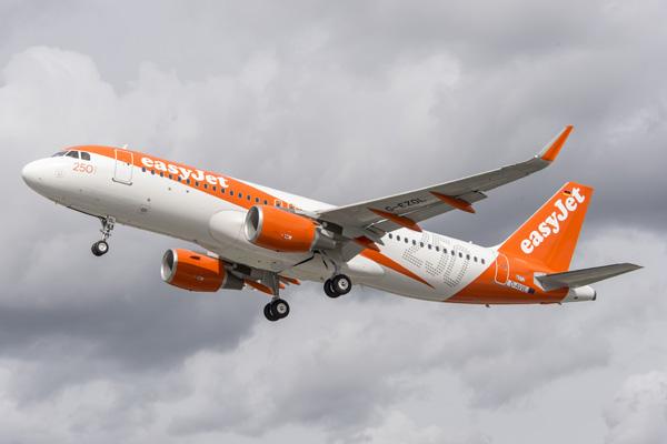 EasyJet (UK) A320-200 D-AVVL (G-EZOL)(15-250 Airbus)(Tko) XFW (Airbus)(LRW)