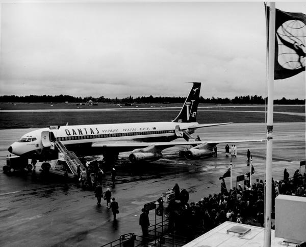 QANTAS 707-100B VH-EBI arrival in CHC (QANTAS)(LRW)