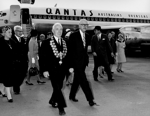 Qantas Co-Founder Hudson Fysh (right) and Lady Fysh were on the inaugural service welcomed by Mayor of Christchurch, Mr G. Manning (left)(QANTAS)(LRW)