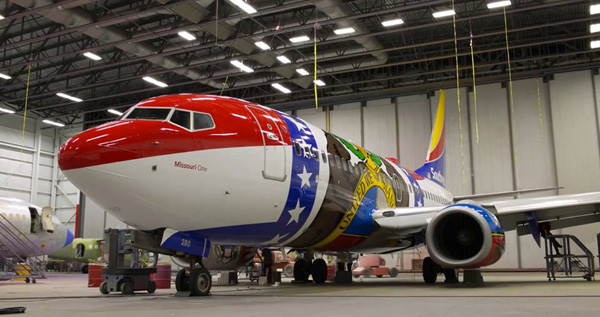 Southwest 737-700 WL N280WN (15-Missouri One)(Nose) MCI (Southwest)(LR)
