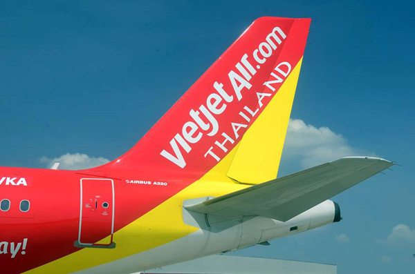 VietjetAir.com Thailand Tail (LR)