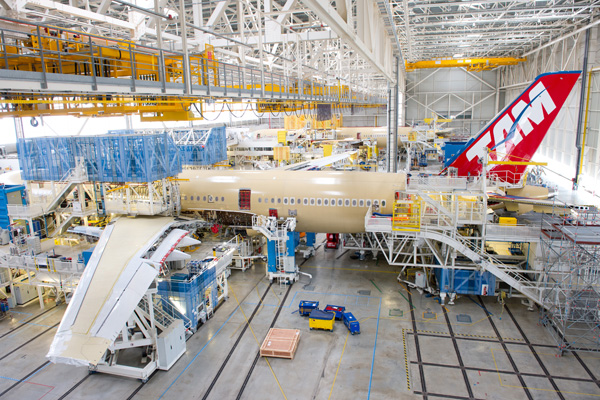 TAM A350-900 in production TLS (Airbus)(LRW)