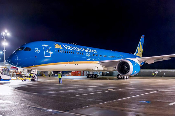 Vietnam airlines converts eight boeing 787 9 orders to the larger vietnam 787 9 vn a861 14nosevietnam sciox Images