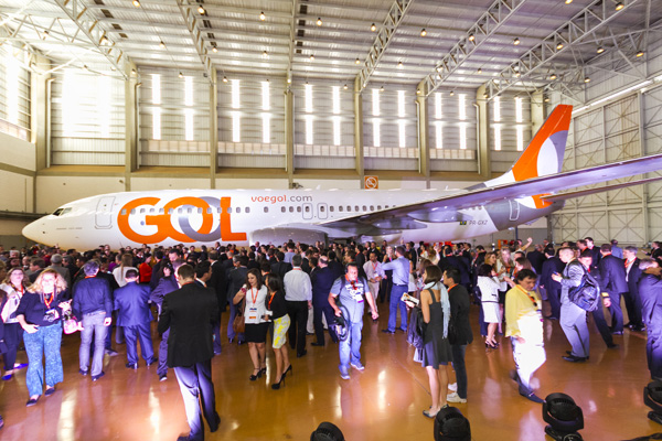 Gol's new livery unveiling 7.15.15 CNF (RDC)(LRW)