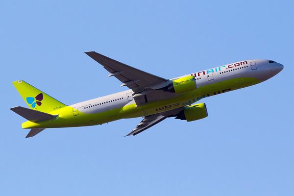 Jin Air 777-200 HL7743 (08)(Tko) ICN (Hyeonwoo Noh)(LRW)
