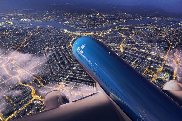 KLM 787-9 above Amsterdam (KLM)(LRW)