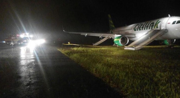 Citilink A320 leaves the runway at Padang
