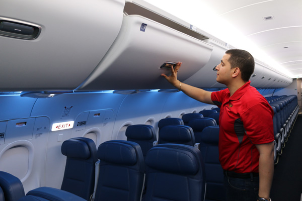 Delta A320-200 revamped overhead storage (Delta)(LRW)