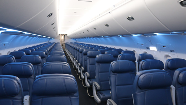 Delta upgraded A320 cabin (Delta)(LRW)