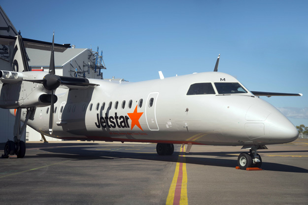 Jetstar (New Zealand)-Eastern Australia DHC-8-300 VH-TQM (03)(Nose) TSV (Jetstar)(LRW)