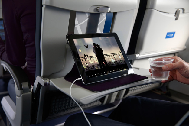 United Express PED iPad at seat (United)(LRW)