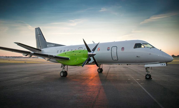 GLO (Corporate Flight Management) SAAB 340B N220MJ (Grd)(GLO)(LR)