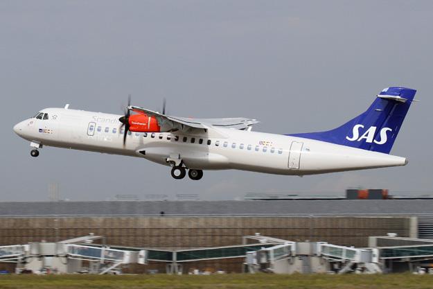 Scandinavian-SAS-Flybe ATR 72-600 G-FBXB (98)(Tko)(ATR)(LRW)