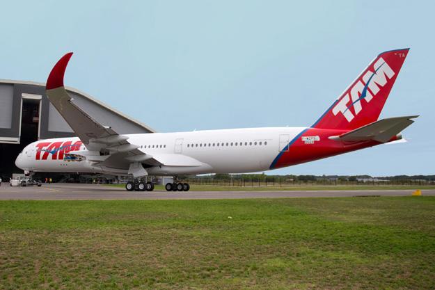 TAM A350-900 F-WZFS (PR-XTA)(08)(Grd) TLS (Airbus)(LRW)