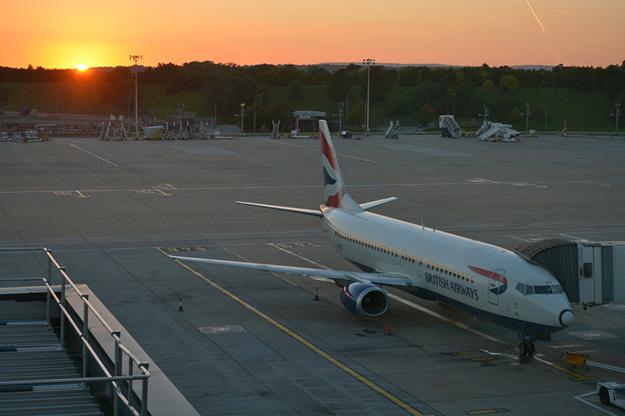 British Airways 737-400 G-DOCX (97-Union flag)(sunset for last flight)(MF)(LR)