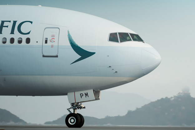 Cathay Pacific 777-300 B-KPM (15)(Nose) HKG (CPA)(LRW)