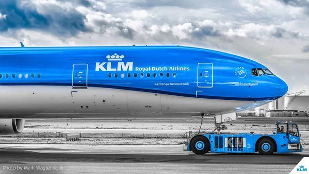 KLM 777-300 (14)(Nose)(KLM)(LR)