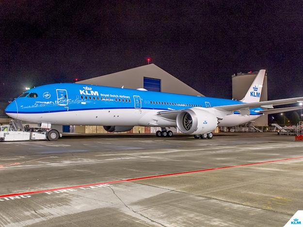 KLM 787-9 PH-BHA (14)(Grd)(KLM)(LR)