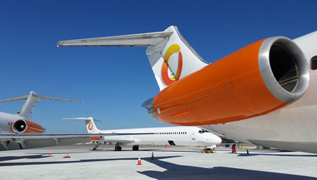 Orange Air DC-9-82-83 (Grd) SFB (Orange AIr)(LR)