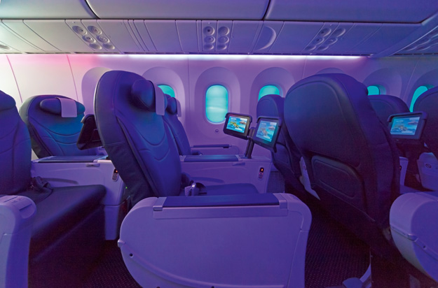 Thomson 787-8 Cabin-1 (Thomson)(LRW)