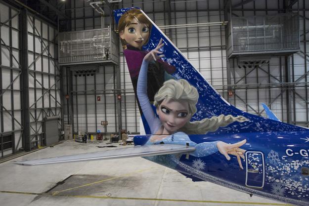 WestJet 737-800 SSWL C-GWSV (15-Walt Disney World-Frozen)(Tail)(Westjet)(LR)